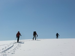 SAR members training in spring conditions